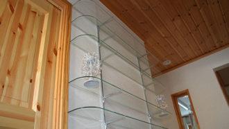 ブラケット仕様のガラス棚